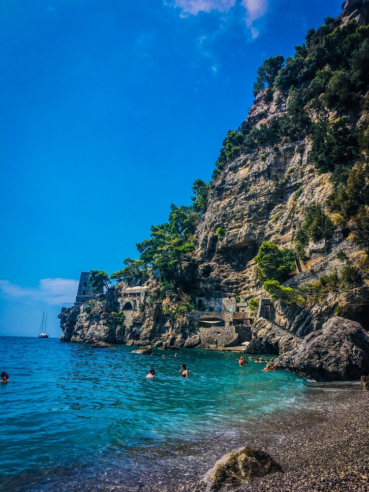 swim in Positano