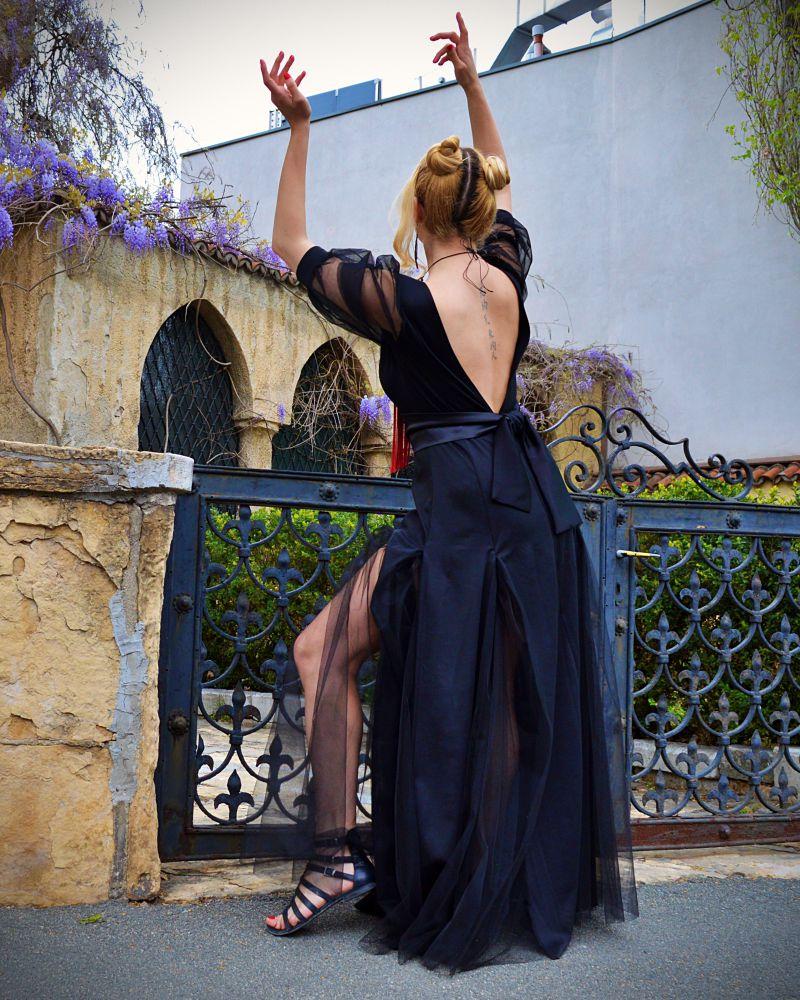 elegant backless dress