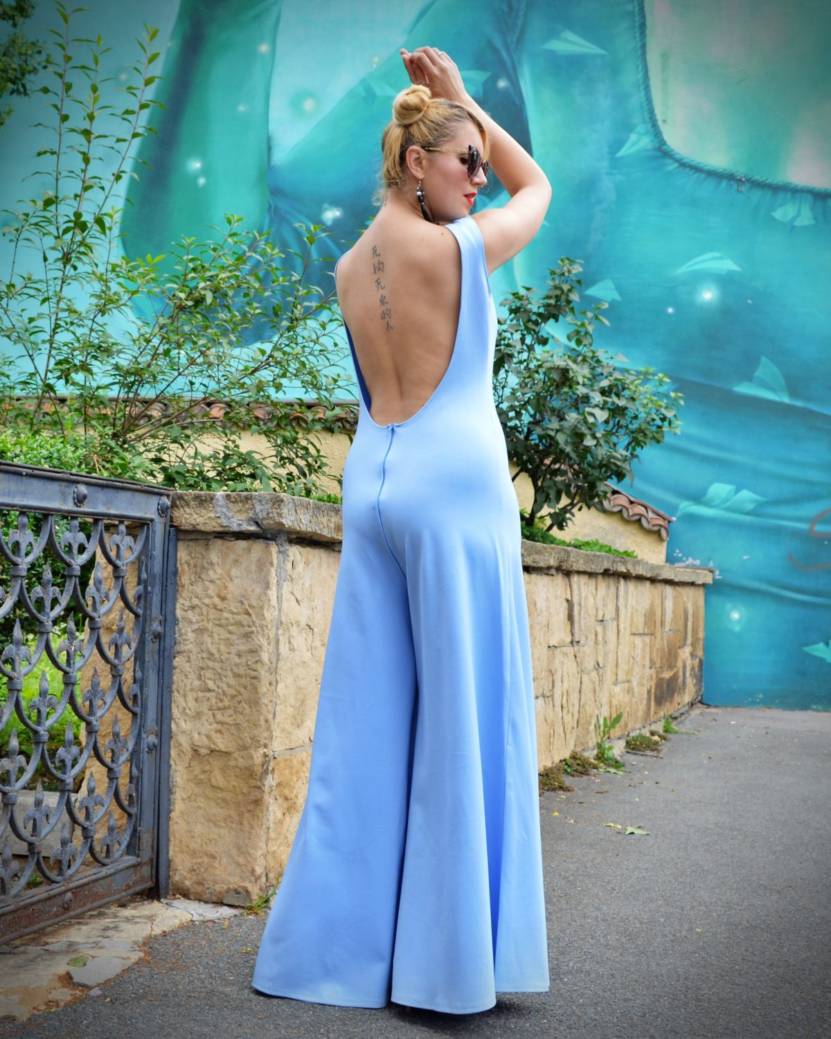 backless overall
